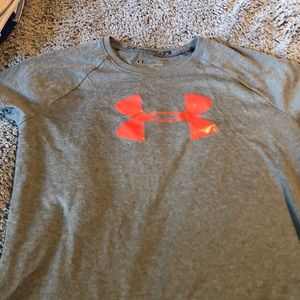 Girls Under Armour T-shirt